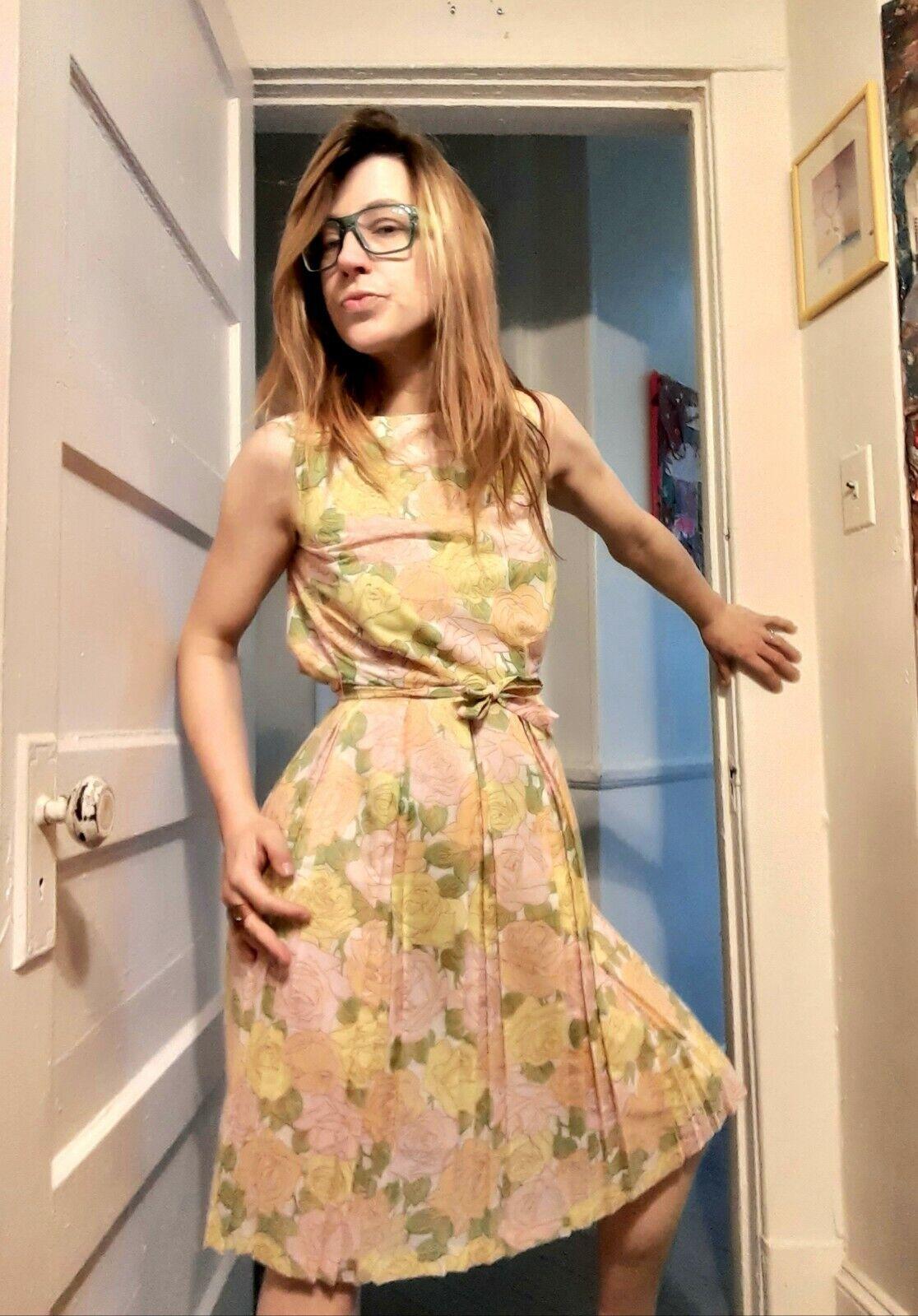 1950's Pastel Rose Print Day Dress (XS) - image 5