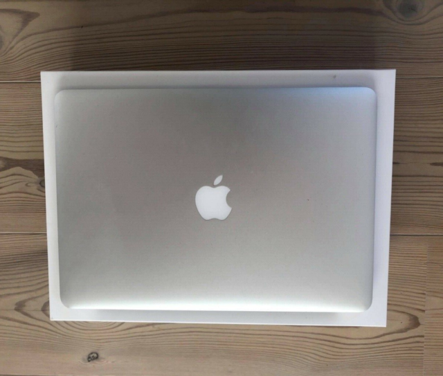 MacBook Air, 1,4 GHz, 4 GB ram, 128 GB harddisk, God, Primo…