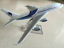 20CM Solid Malaysia Airlines A380 Passenger Airplane Metal Plane Diecast Model