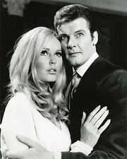 VERONICA CARLSON & ROGER MOORE UNSIGNED PHOTO - 4064