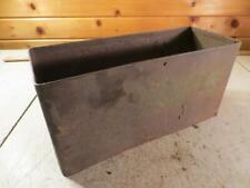 John Deere Unstyled D Tool Box