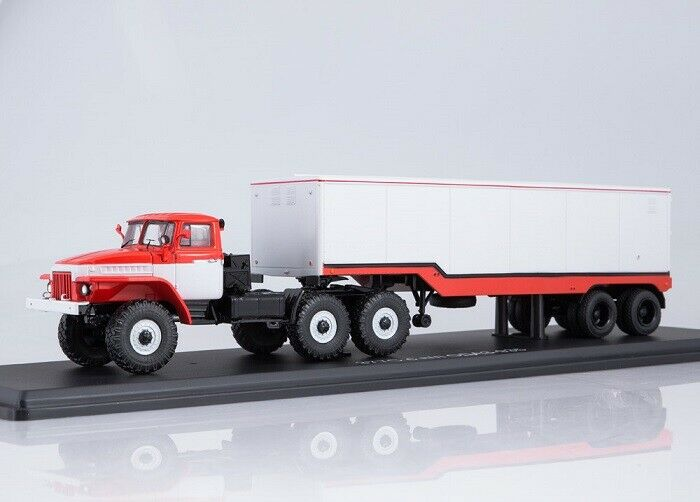 Start scale models (SSM) 1 43. Ural - 377s tractor camión with semitrailer OdAZ - 935