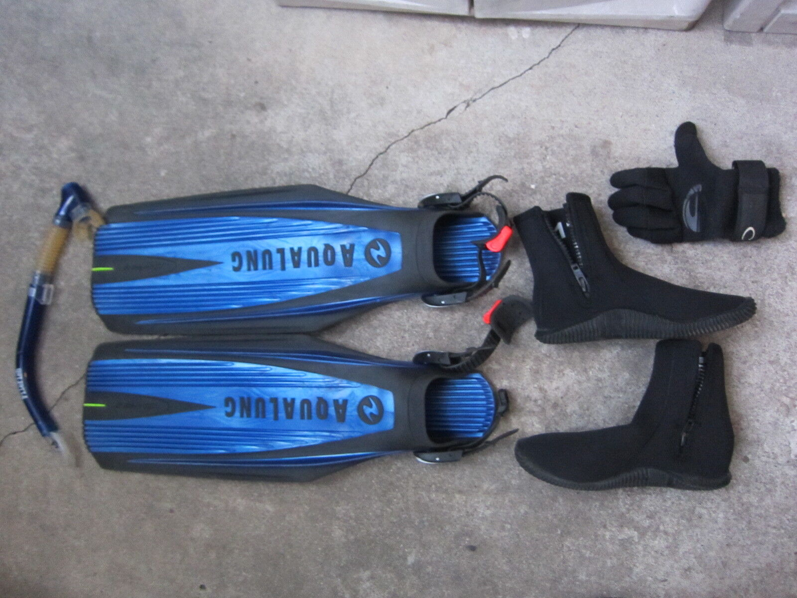 Aqua Lung Regular Diving FINS Aqualung Blades 2 Deepsea Diving boots Lot + extra