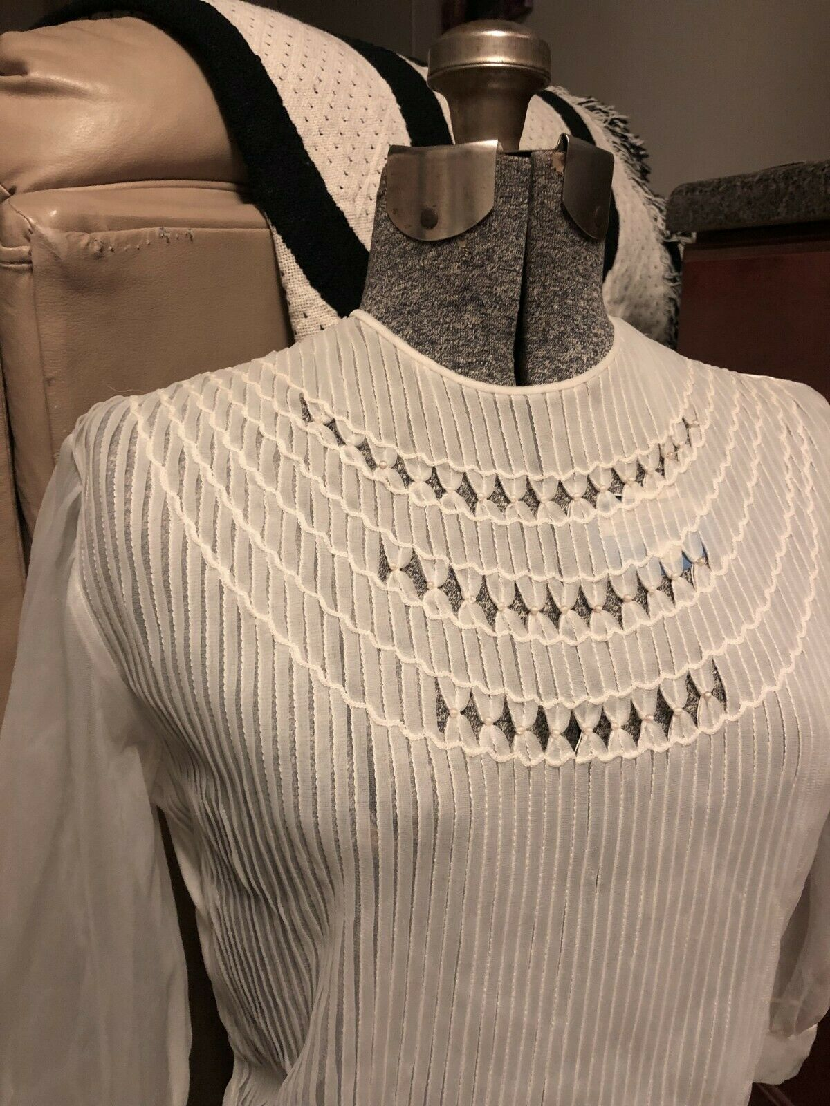 VINTAGE: 60s Sheer Nylon Pleated Pintuck Pearl Pu… - image 2