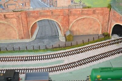 Model Railway 00 Gauge - Brick Double Arch Tunnel  OO/HO Gauge Linka Compatible