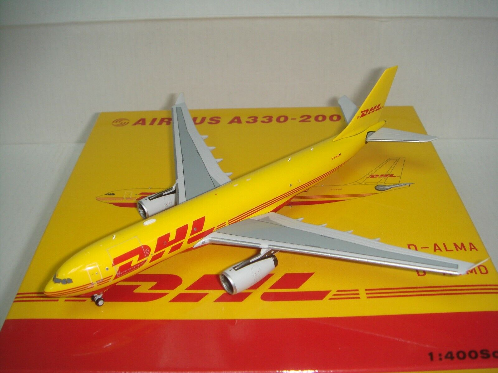 sconto online DHL European Public Transport EAT A330-200F  2003s 2003s 2003s Coloreeeee   1 400  Ultimo 2018
