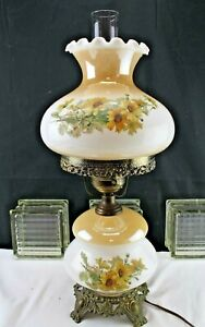 Vintage-70-039-s-GWTW-Style-Electric-Table-Lamp-Yellow-Roses-on-Milk-Glass