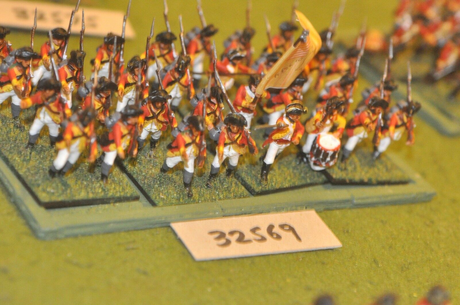 25mm AWI   british - regt. (plastic) 32 figures - inf (32569)