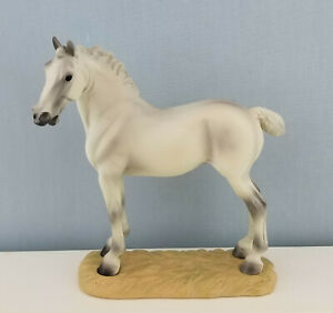 Breyer-8263-A-King-039-s-Mount-Model-Draft-Horse-Resin-on-Base-New-with-Box