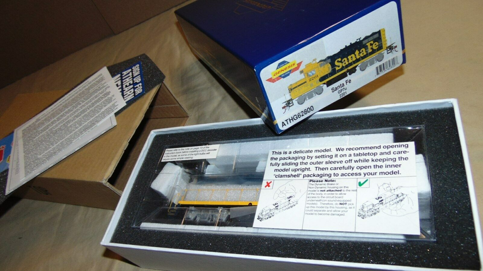 GENESIS HO 62800 SANTA FE GP7u DIESEL  BRAND NEW IN ORIGINAL BOX