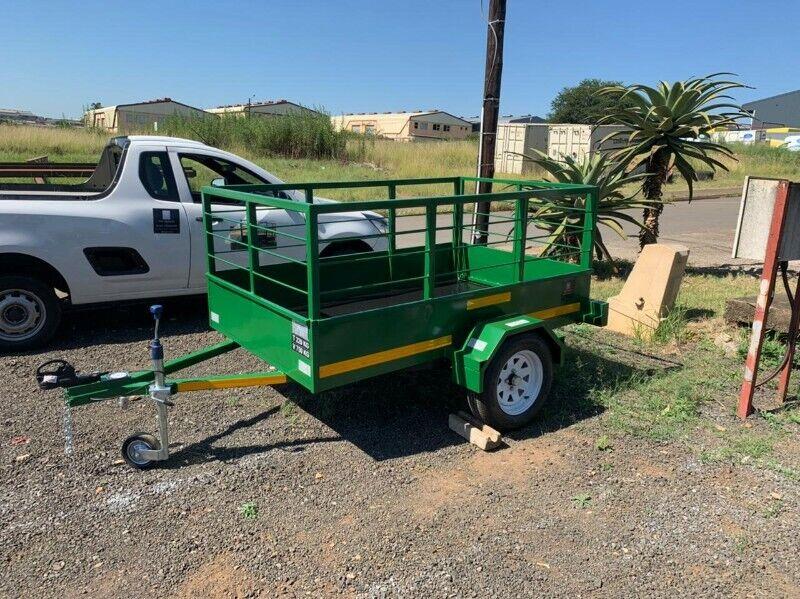 2.0 x 1.3 x 800 Utility trailer