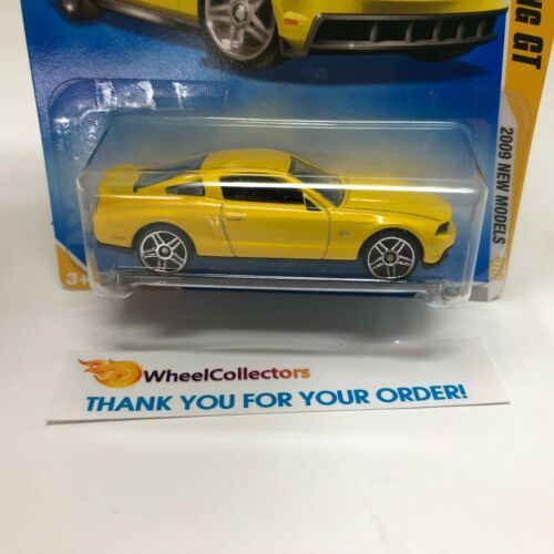 2010 Ford Mustang GT #41 New Models 2009 Hot Wheels YELLOW HH13