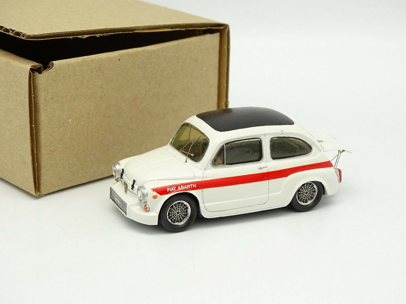 Provence Moulage Kit Montado 1 43 - Fiat Abarth 1000 TC