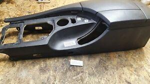 #050 BMW E60 E61 Mittelkonsole Armlehne Leder schwarz Aufnahme Telefon snap in