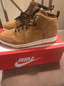 new product 555d3 10764 Image is loading Nike-Dunk-CMFT-Sneaker-boot-Size-10-5-