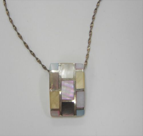 sterling silver with Mother of Pearl inlay design pendant and 17'' chain 485G