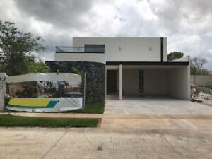 Residencia de 4 Recámaras en Parque Natura