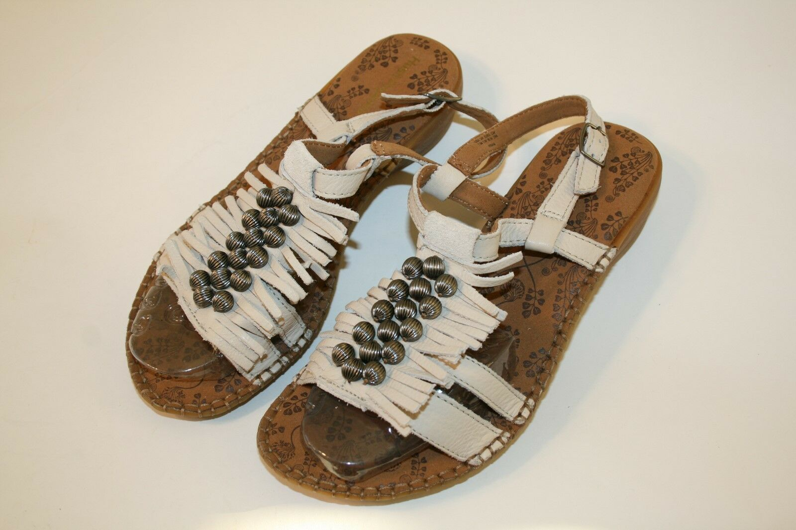 Hush Puppies Beige Sandals Bohemian Style Shoes Leather Fringe Womens Sandals Beige Size 7.5 5e4c52
