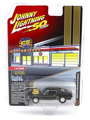 Johnny Lightning *50 YEARS* Black /& Gold 1968 Ford Mustang Fastback Custom *NIP*