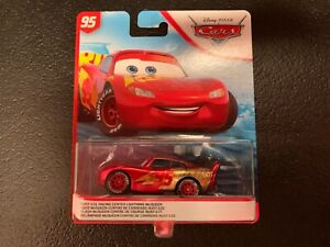 Disney Pixar Cars 3 2019 Rust Eze Racing Center Lightning Mcqueen
