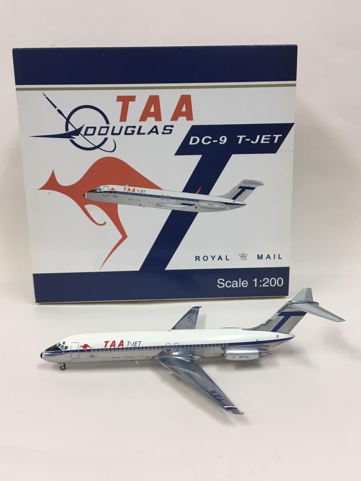 JC Wings TTA T-JET Douglas DC-9 Royal Mail 1 200 VN-TJL