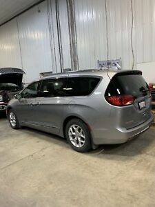2017 Chrysler Pacifica Touring-L Plus