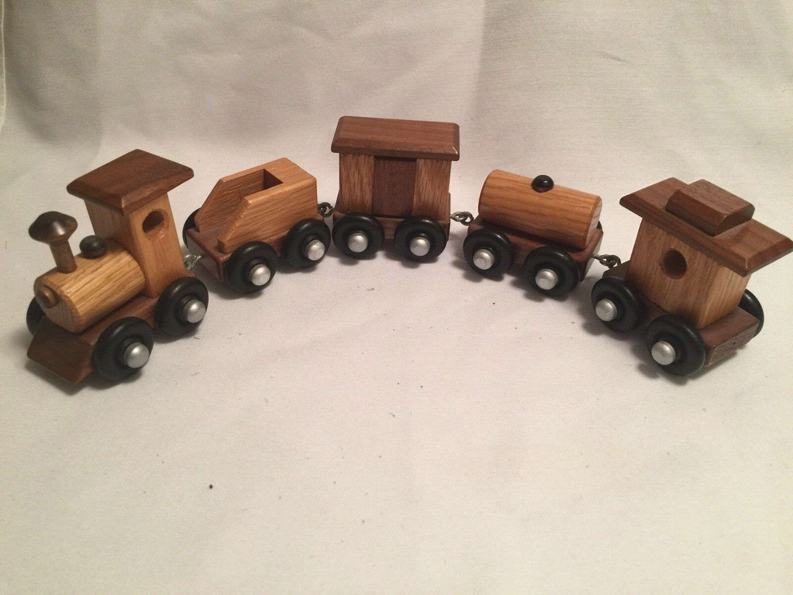 Vintage Amish Handcrafted Wooden Antique  5pc Interconnecting toy train