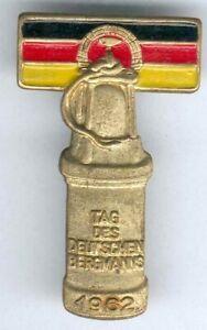 DDR-seltenes-Abz-Tag-des-Deutschen-Bergmanns-1962-goldfarbend-teils-lackiert