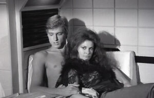 JANE-BADLER-PETER-NELSON-V-THE-VISITORS-RARE-ORIGINAL-1983-NBC-TV-PHOTO-NEGATIVE
