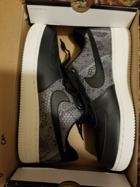 Mens NIKE AIR FORCE 1 07 LV8 Black Trainers 823511 003