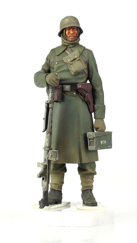 Verlinden Built 1 16 120mm German Walloon Legion Original Display  VPB512