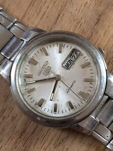 Vintage SEIKO 5 Men's Watch For Parts Or Repairs
