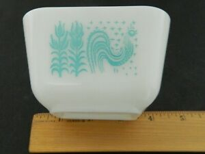 Pyrex Amish Butterprint Rooster Refrigerator Dish 501 Turquoise No Lid