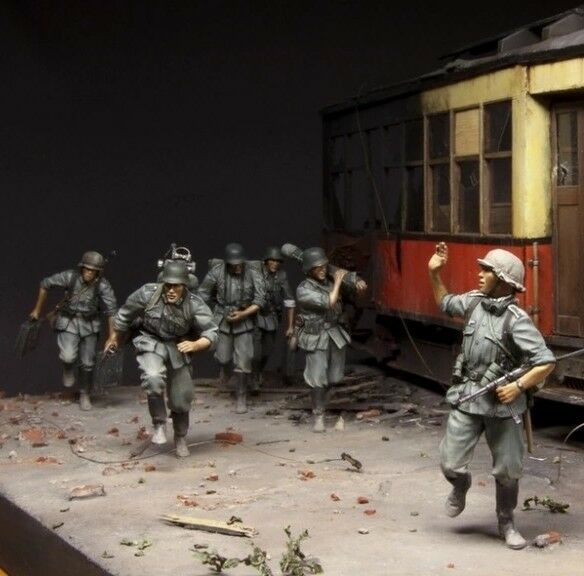 1 35 WWII Resin Figure Model Kit German Mortar Crew On The Move (6 Figures)