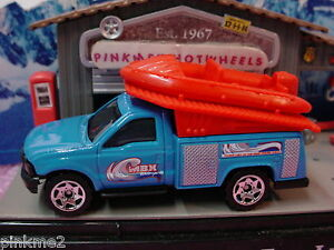 2012-Outdoor-Adventure-FORD-F-SERIES-TRUCK-Blue-w-Red-Raft-New-loose-Matchbox