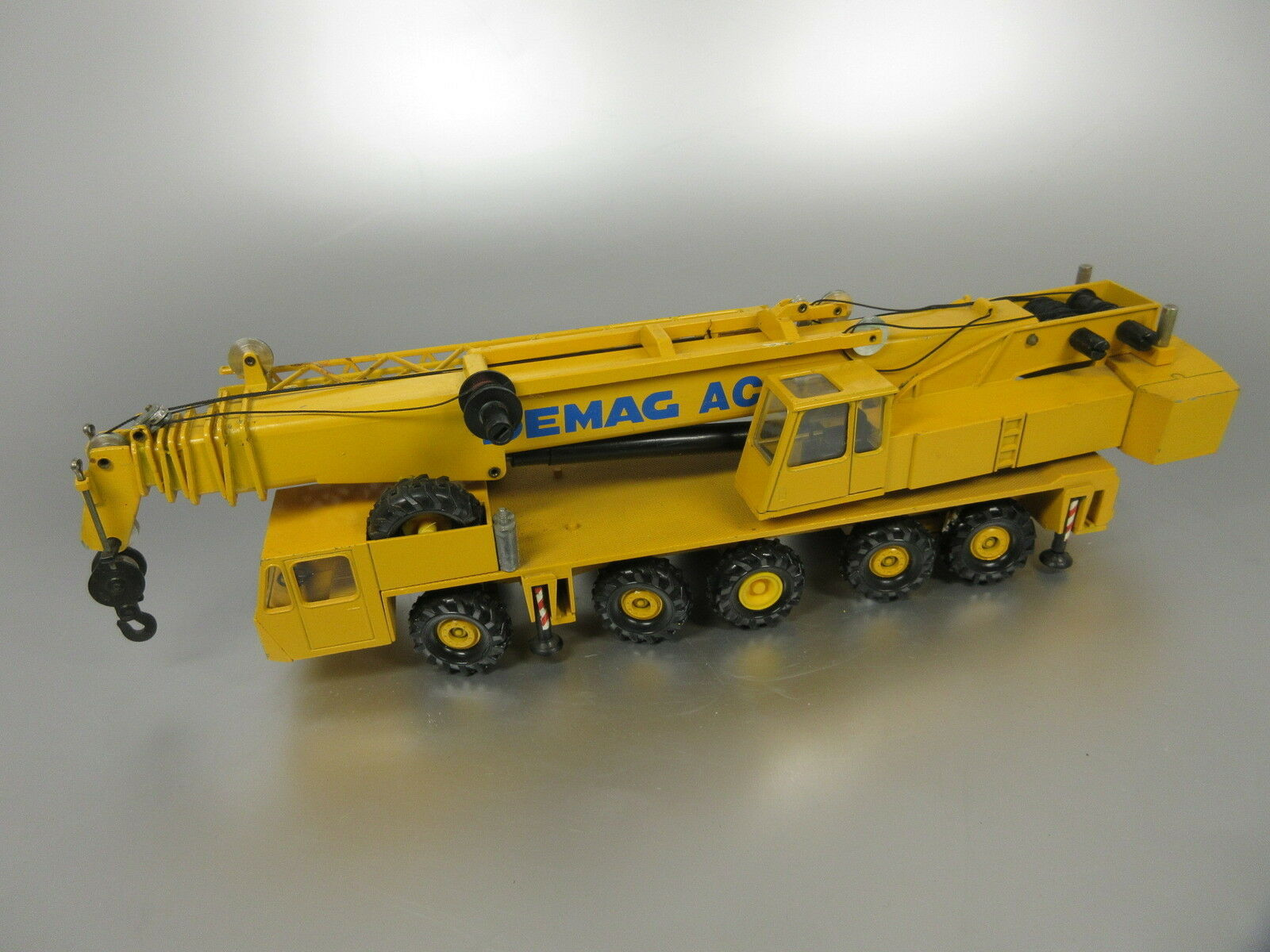 ventas en linea Conrad 2081 Demag ac 435 435 435 grúa amarillo 1 50  ofreciendo 100%