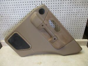 01-02-LAND-ROVER-DISCOVERY-PASSENGER-RH-SIDE-REAR-INSIDE-DOOR-TRIM-PANEL-BEIGE