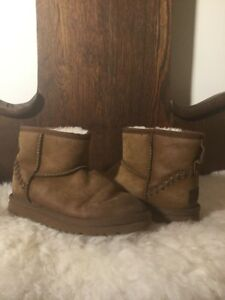 40e76bb6e80 Details about UGG Australia Kids Classic Mini Deco Brown Leather Short  Winter Boots Size 2