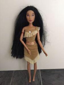 DISNEY POCAHONTAS Bambola Barbie (dimensione) | eBay
