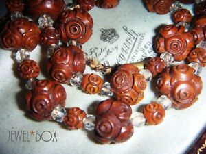 QUIRKY-ART-DECO-HAND-CARVED-WOODEN-BEADS-VINTAGE-NECKLACE