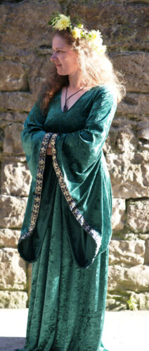 Medieval-LARP-Gothic-Cosplay-Wicca HIGH PRIESTESS GREEN Full Sleeved PAGAN Dress