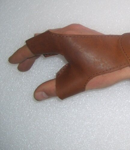 Bow Glove Nová Leather S RIGHT HAND KEEPS D Bow Archery Traditional