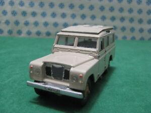 Vintage-LAND-ROVER-109-1-43-Solido-Ref-56