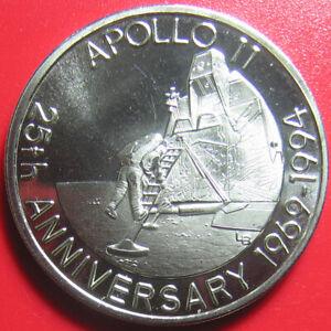 1993-TURKS-amp-CAICOS-5-CROWNS-ASTRONAUT-DESCENDING-LADDER-APOLLO-11-no-silver