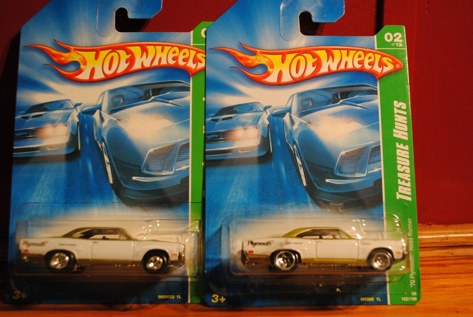 2008 Hot Wheels Regular And Super 1970 Plymouth Road Runner  2 12