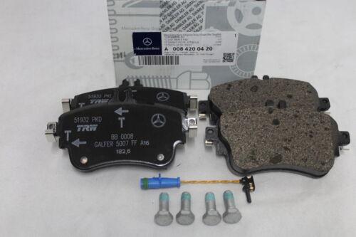 Genuine Mercedes-Benz W176 A-Class FRONT Brake Pads /& Sensor A0004202902 NEW
