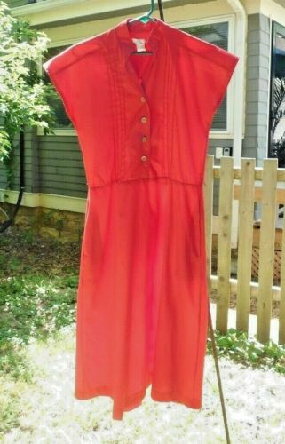 VINTAGE 1970's RED JULIE LYNN PLEATED FRONT DRESS