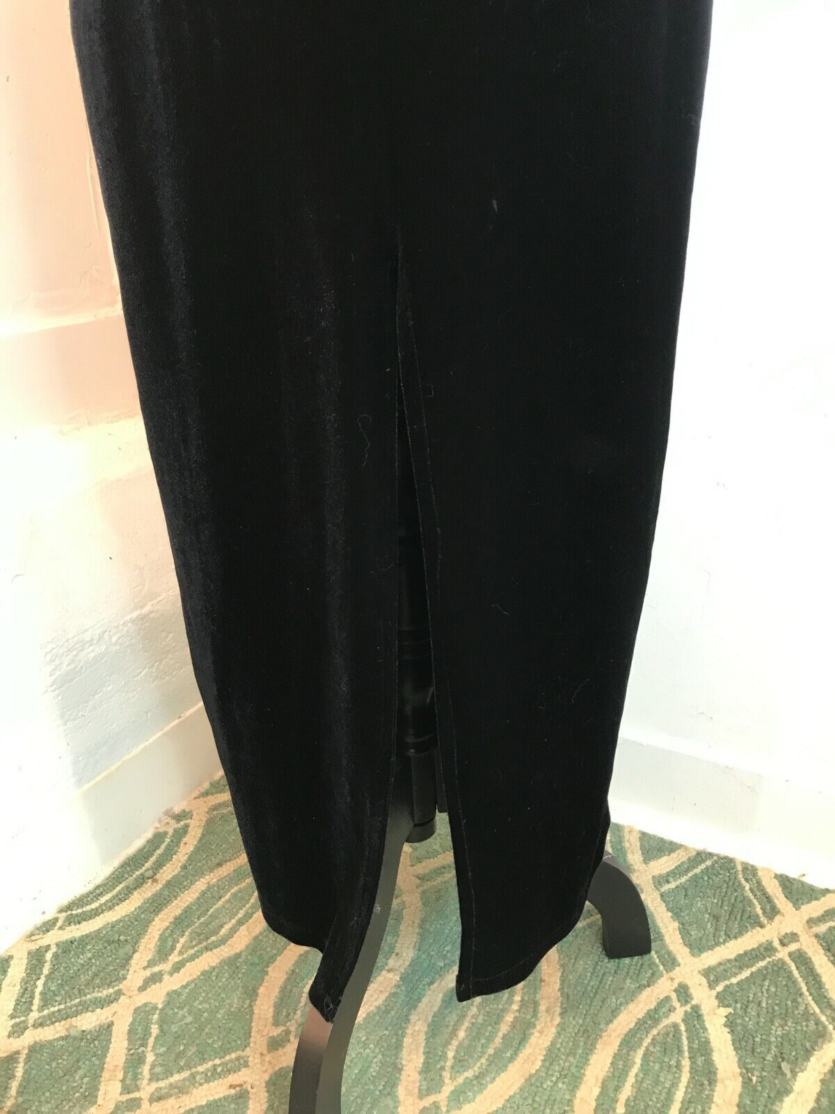1990s VINTAGE SLINKY BLACK STRETCH VELVET MAXI EV… - image 9