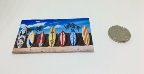 Miniatura Casa De Muñecas Accesorio de Lona Estilo Beach Hut imagen tablas de surf