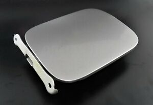 Nissan-X-Trail-T30-01-06-TODOTERRENO-Fill-in-Fuel-Flap-Cover-8H3-Metallic-Silver